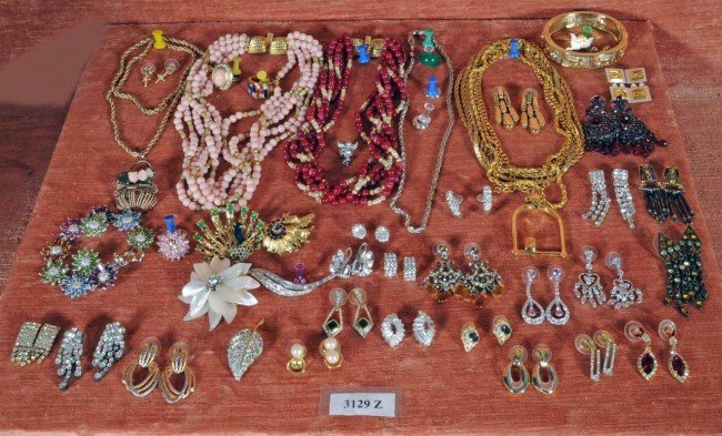 423: Lot of Costume Jewelry.  Earrings, Pins, Necklaces