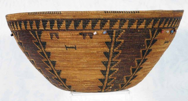 547: Antique Yokut Porterville Basket, with Trade Beads