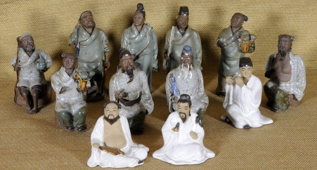 20: Lot of 12 Chinese Small Mud Figures.