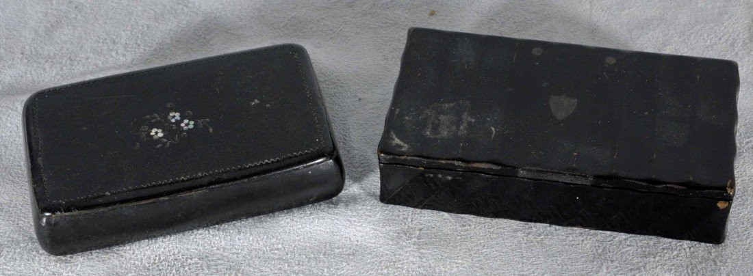 16: 2 ANTIQUE BLACK RECTANGULAR LACQUER SNUFF BOXES. ON