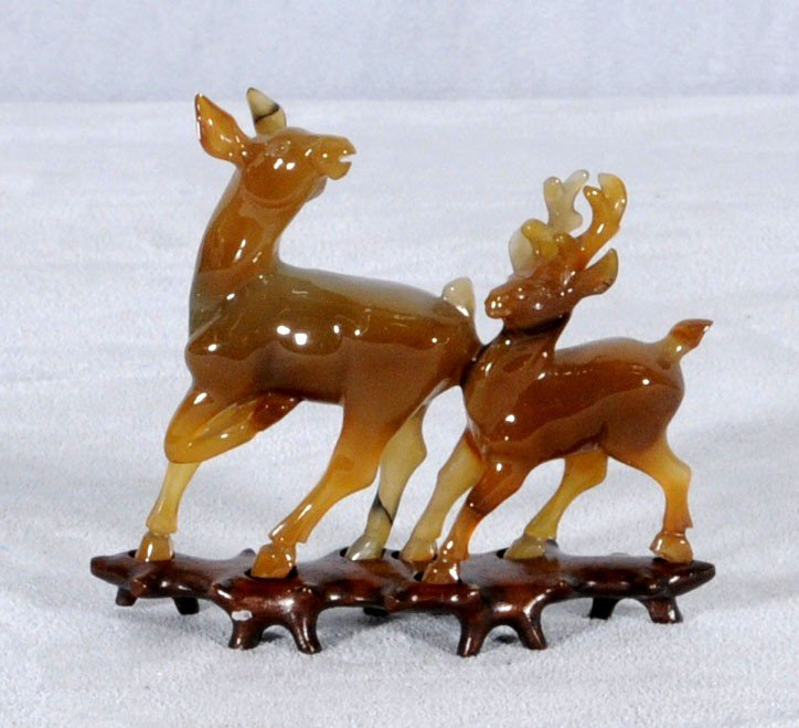 2: CHINESE CARVED CHALCEDONY (AGATE) DEER FIGURINE. TEA