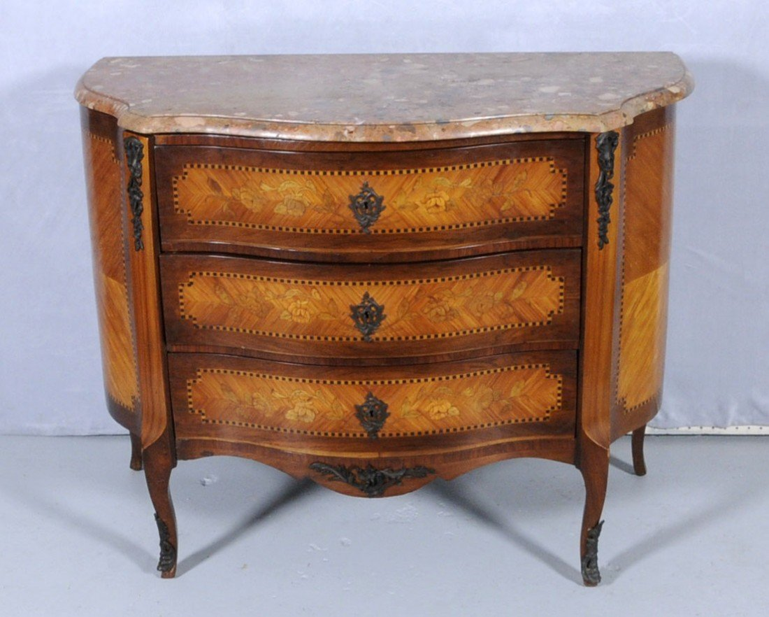 147: FRENCH LXV STYLE MARBLE TOP COMMODE W/ 3 DRAWERS.