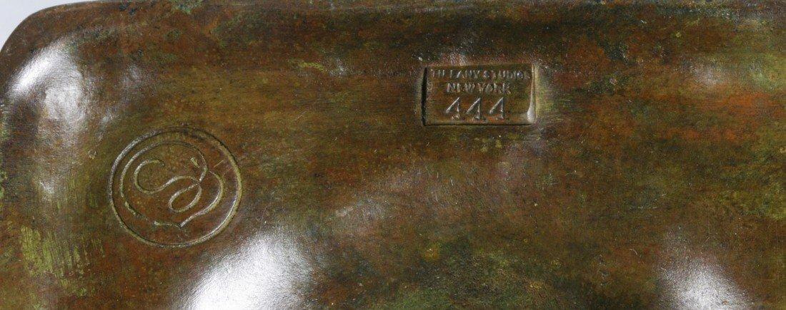 "171: TIFFANY STUDIO NEW YORK ART GLASS TABLE LAMP. 16"" - 3"