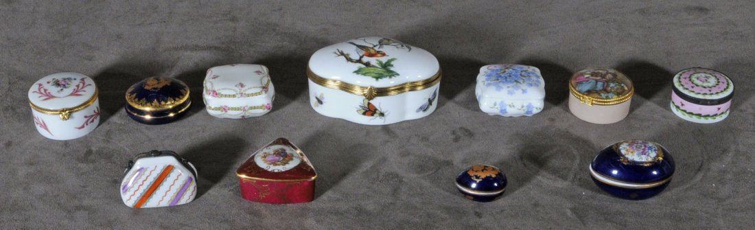 18: LOT OF 11 LIMOGES PILL BOXES. DIFFERENT SHAPES, SIZ