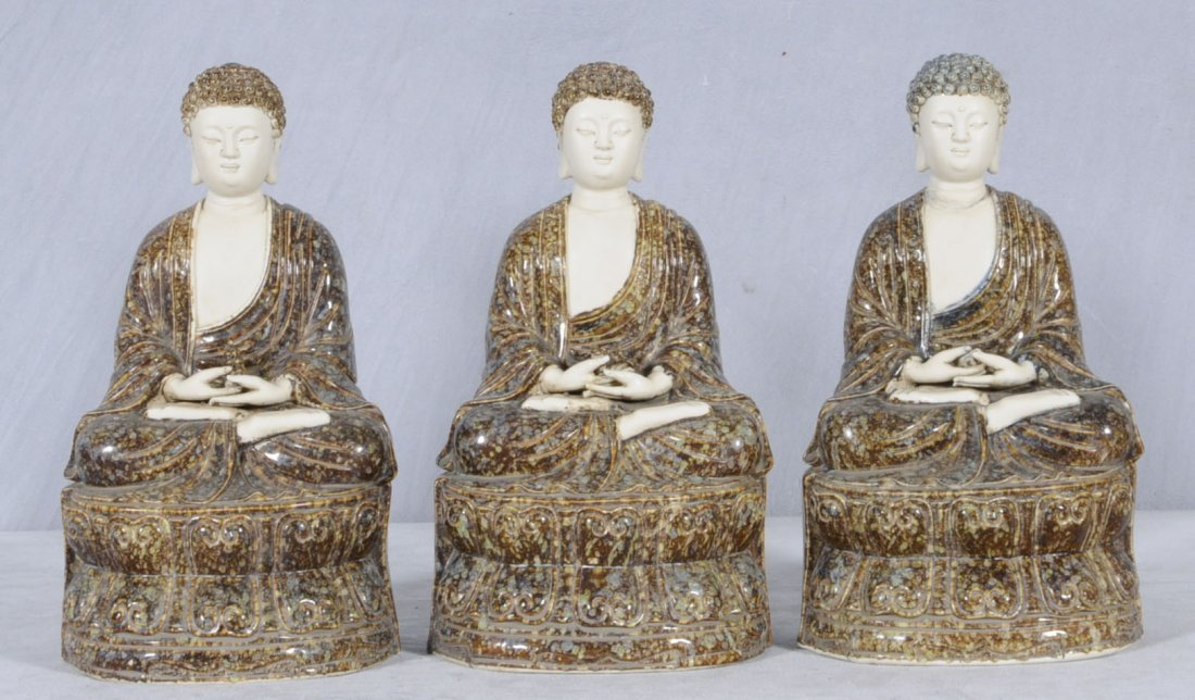 12: 3 CHINESE PORCELIAN FIGURES OF SEATED BUDDHAS. COLO