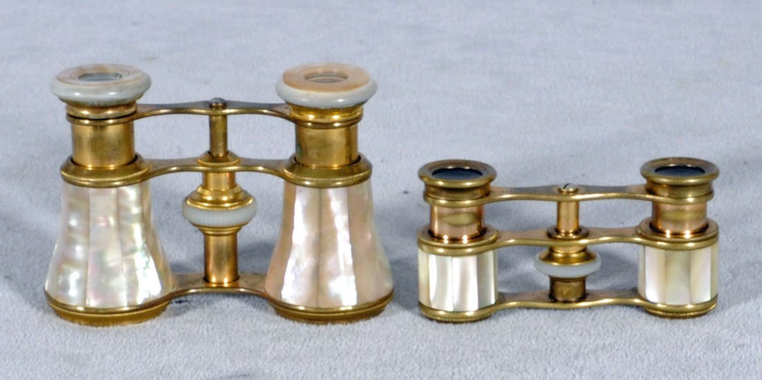 19: 2 MOTHER OF PEARL OPERA GLASSES. MADE IN FRANCE. 2