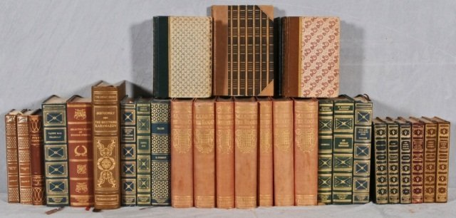 19: 32 VOL. OF MISCELLANEOUS BOOKS. GOOD. (TK)