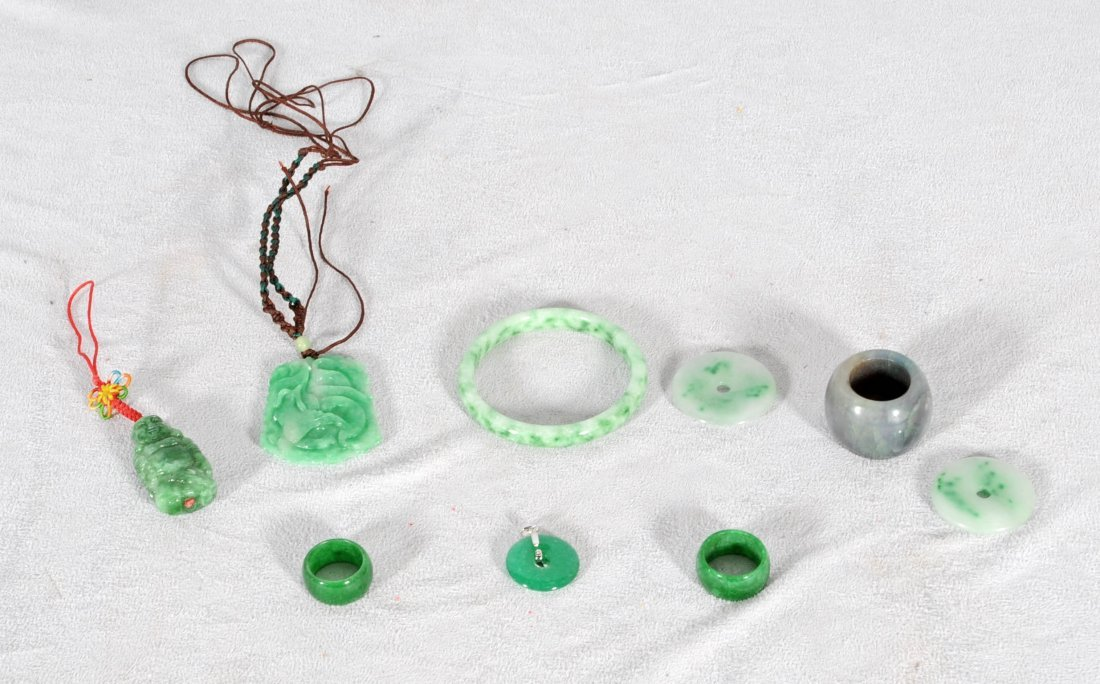 2: 9 PC. JADE.  CONSISTING OF RINGS, PENDANTS &   A BRA