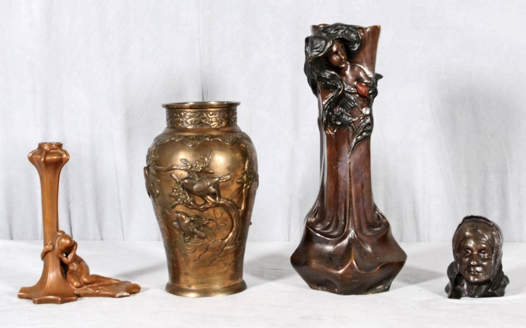 4 BRONZE PIECES. CONSISTING OF AN ART NOUVEAU STYLE VAS