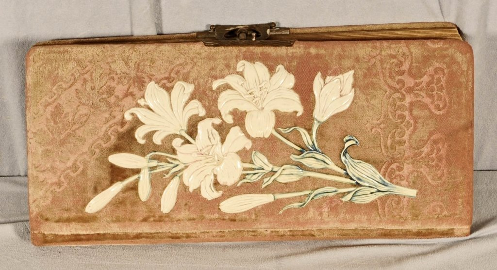 ANTIQUE  PHOTO  ALBUM WITH FLORAL DECORATED COVER. 41 A