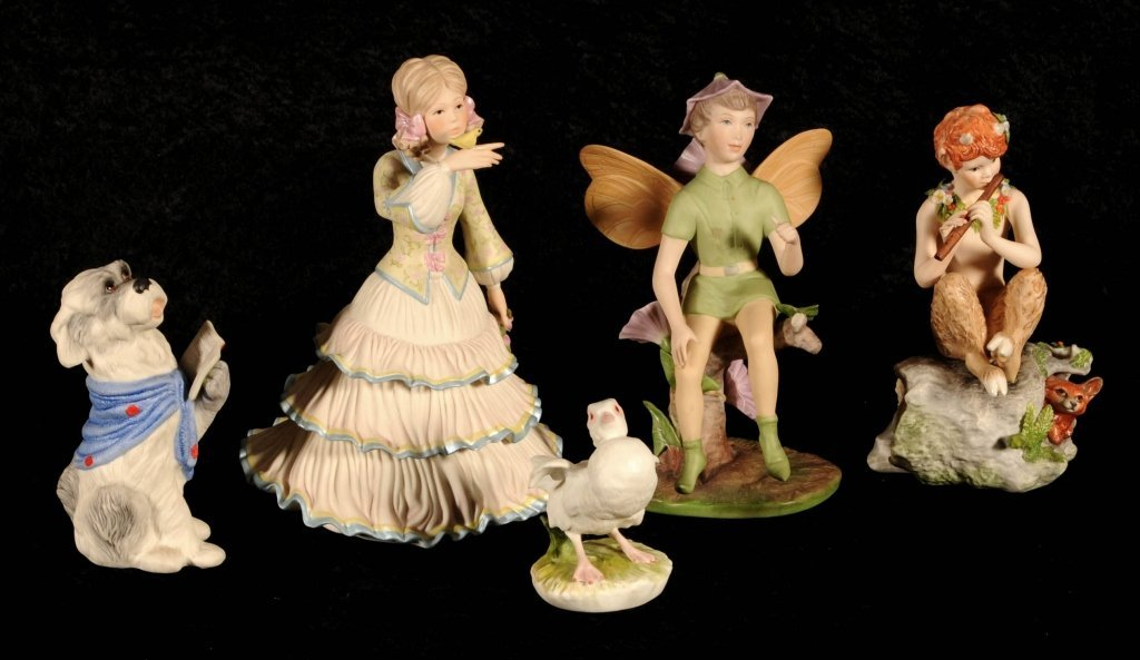 5 PC. OF CYBIS PORCELAIN CONSISTING OF 3 FIGURES AND 2