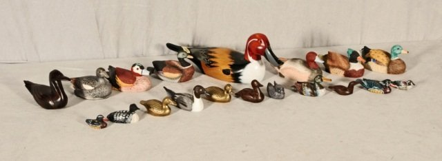 19 PC. CARVED WOOD, PORCELAIN, COMPOSITION AND  BRASS