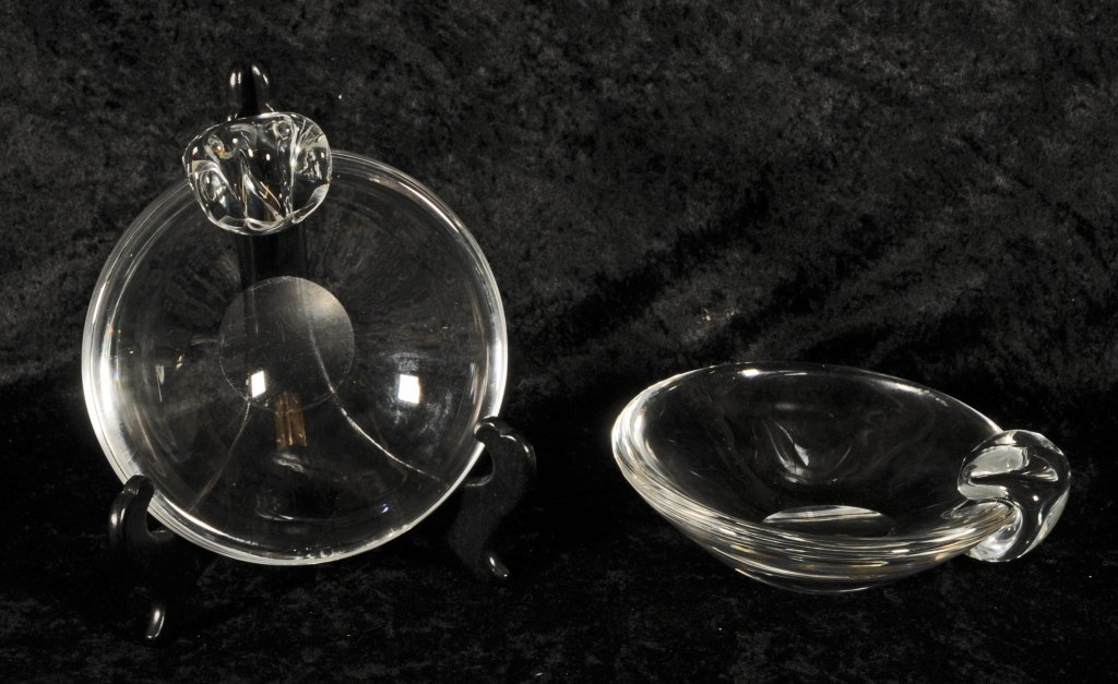 PAIR OF STEUBEN GLASS SHALLOW BOWLS.  SINGLE SHAPED