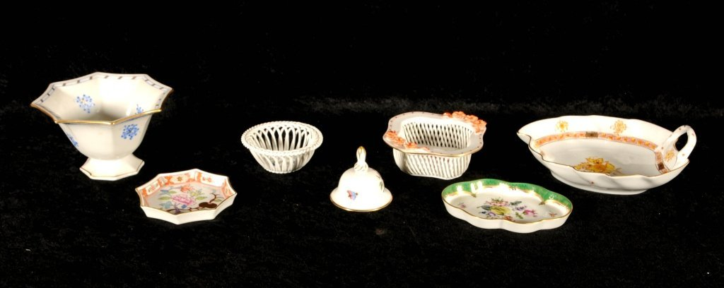 7 SMALL HEREND PORCELAIN PCS.  CONSISTING OF A BOWL,