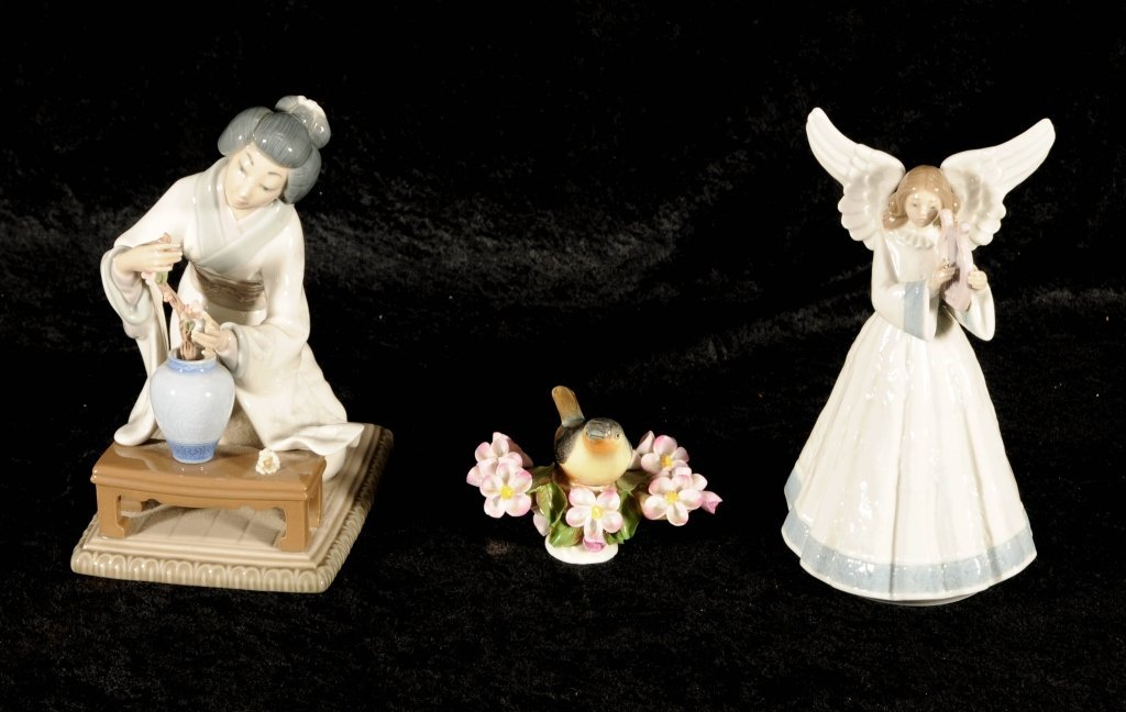 3 PORCELAIN FIGURINES.  CONSISTING OF A LLADRO ANGEL