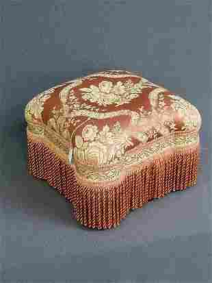 5: BEAUTIFUL REPRODUCTION VICTORIAN FOOT STOOL WITH FRI