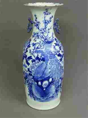 20: LARGE BLUE & WHITE PORCELAIN DECORATED CHINESE VASE