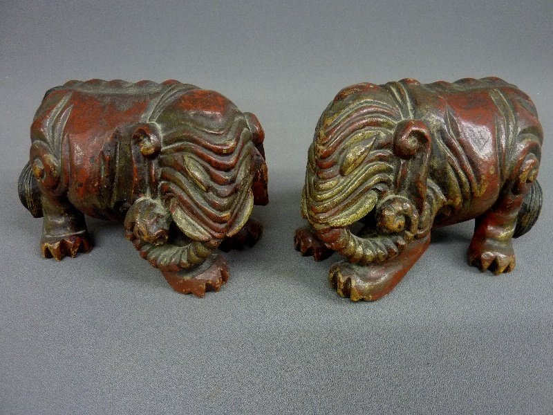 "6: PAIR OF CHINESE CARVED WOOD ELEPHANTS - Length 8""  h"