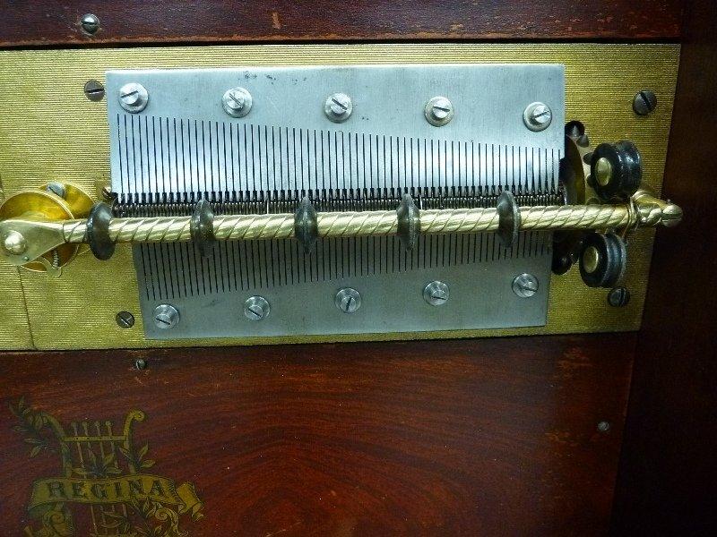 "Regina Sublima Upright 20 3/4"" Disk Music Box in Great  - 6"
