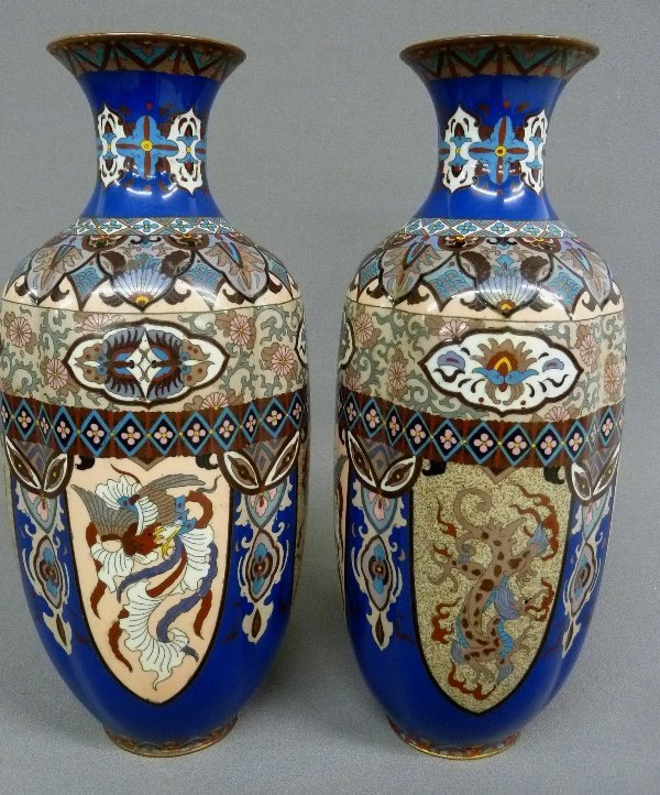 Early 20th Century Pair of High Quality Cloisonne Vases - 2