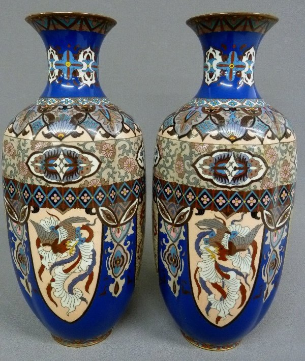Early 20th Century Pair of High Quality Cloisonne Vases - 3