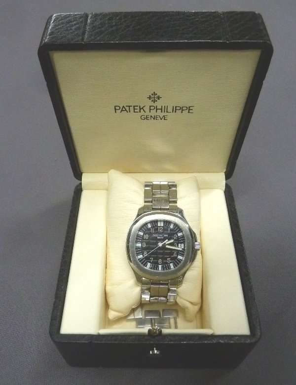 Patek Philippe Aquanaut Men's 38mm Wristwatch 5065/1A -