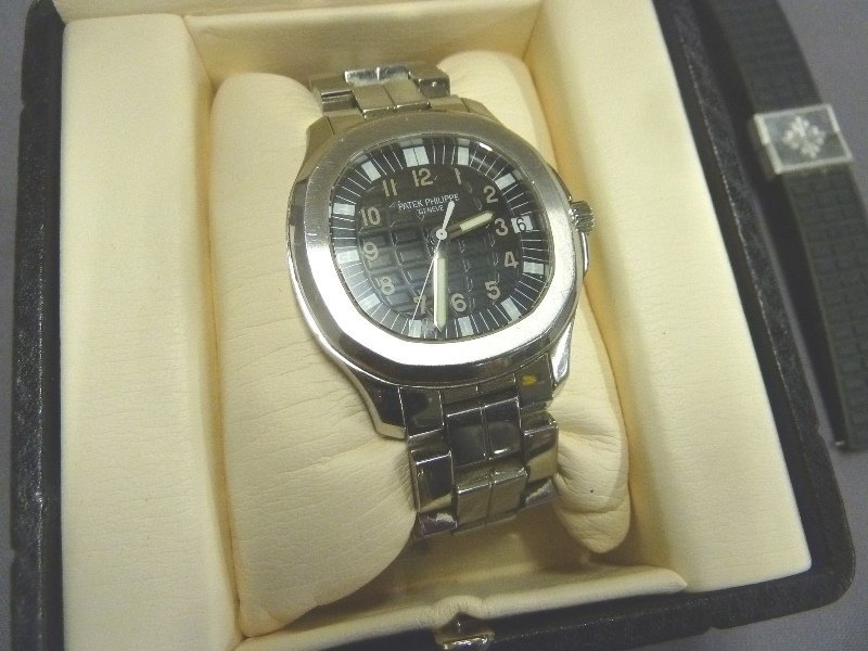 Patek Philippe Aquanaut Men's 38mm Wristwatch 5065/1A - - 7