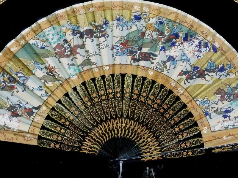 Chinese Hand Painted Fan in gold leaf shadow box frame. - 2