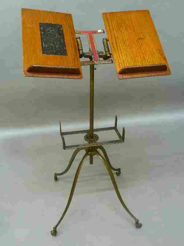 Circa 1900 Oak Dictionary & Book Stand Signed Noyes,