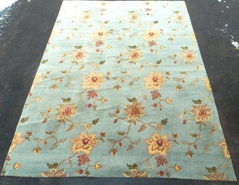 Modern Hand Knotted Wool & Silk Rug in light green,