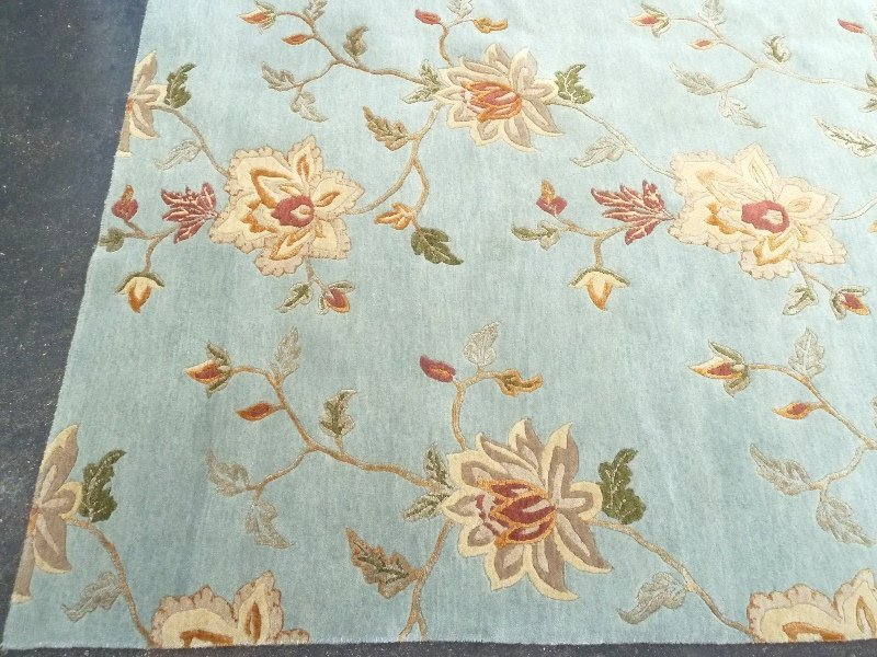 Modern Hand Knotted Wool & Silk Rug in light green, - 2