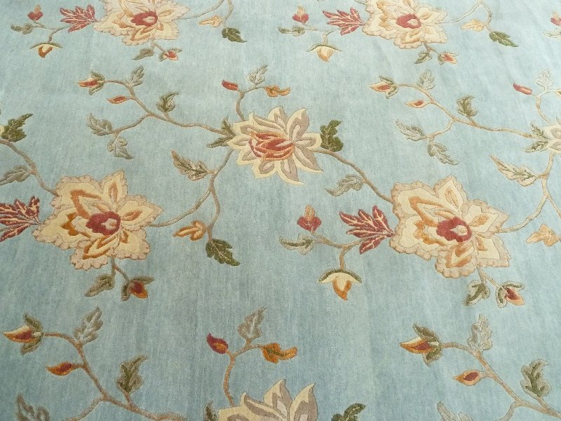 Modern Hand Knotted Wool & Silk Rug in light green, - 3