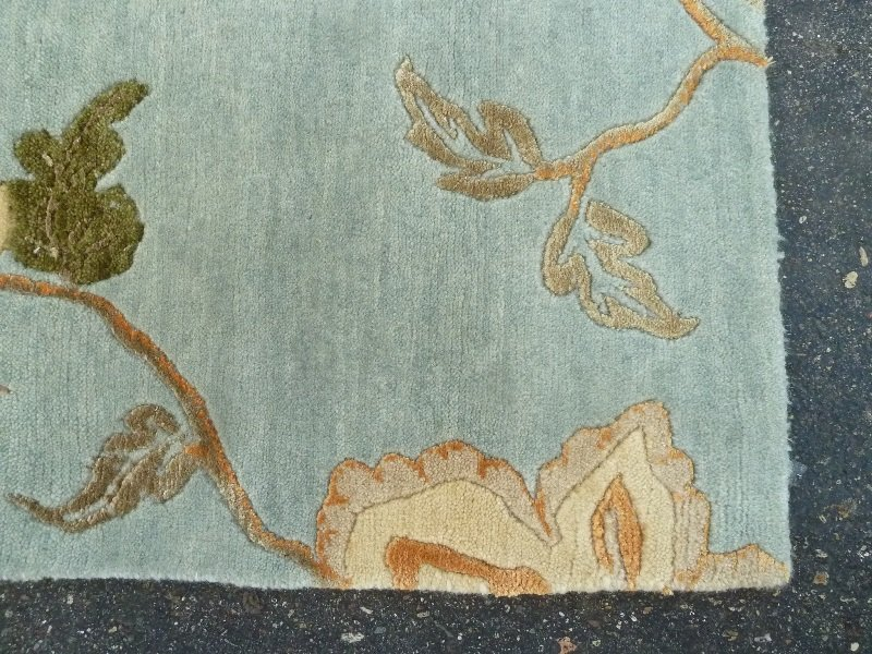 Modern Hand Knotted Wool & Silk Rug in light green, - 4