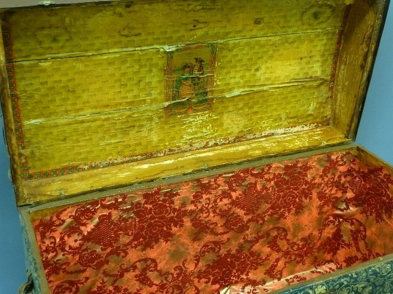 Circa 1900 Antique Hump Back Trunk with Tin and Wood - 2