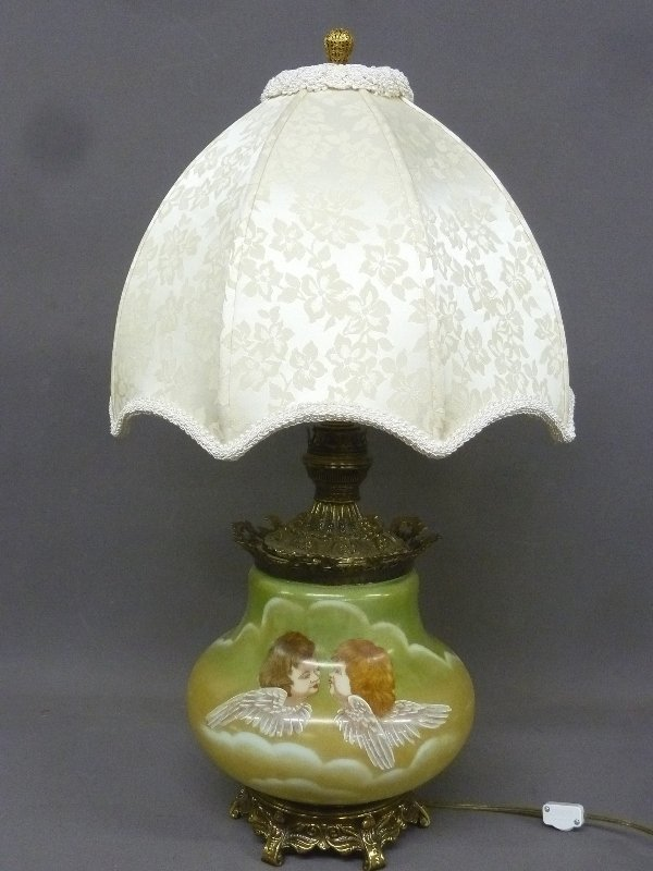 Great Circa 1890's Oil Lamp with Winged Angels on glass