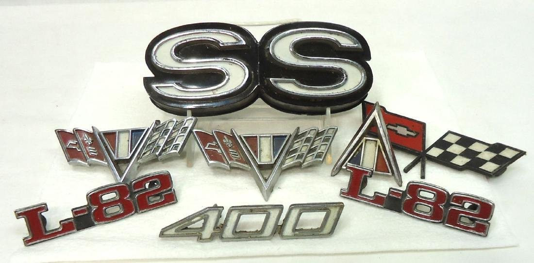Lot Vtg Automobile Emblems