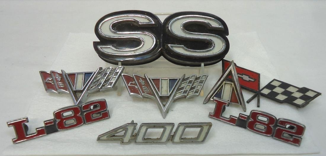 Lot Vtg Automobile Emblems - 2