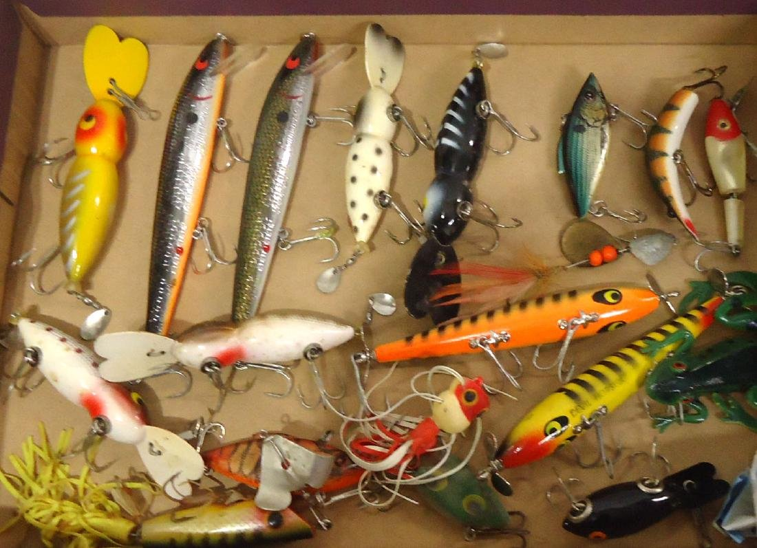Lot of 19 Fishing Lures