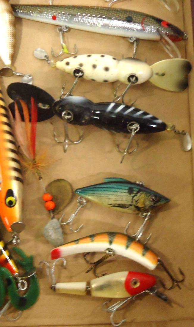 Lot of 19 Fishing Lures - 3