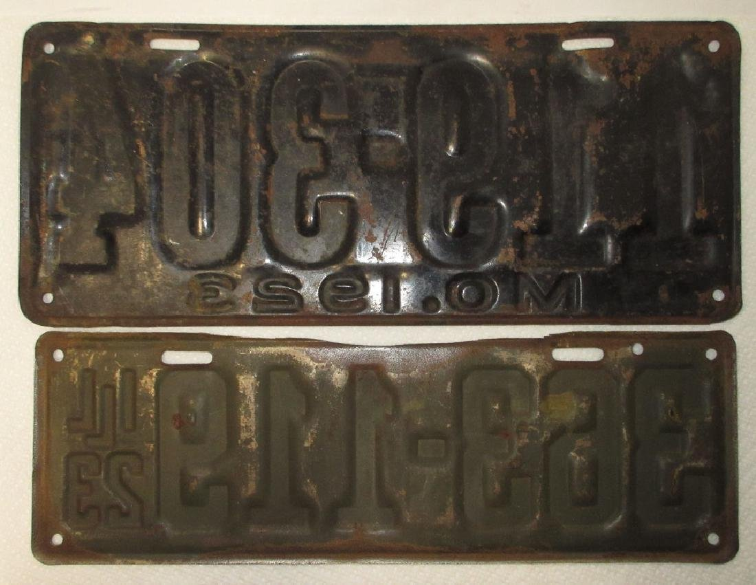1923 IL & MO License Plates - 3