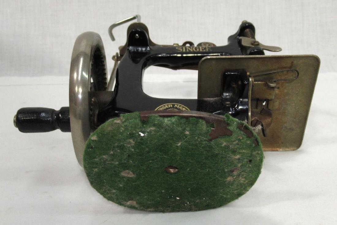 Child's Singer Sewing Machine - 5