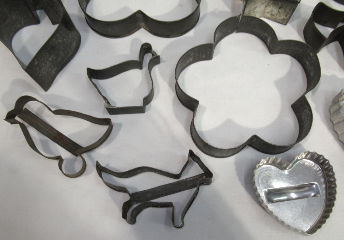 17 Vintage Cookie Cutters - 4