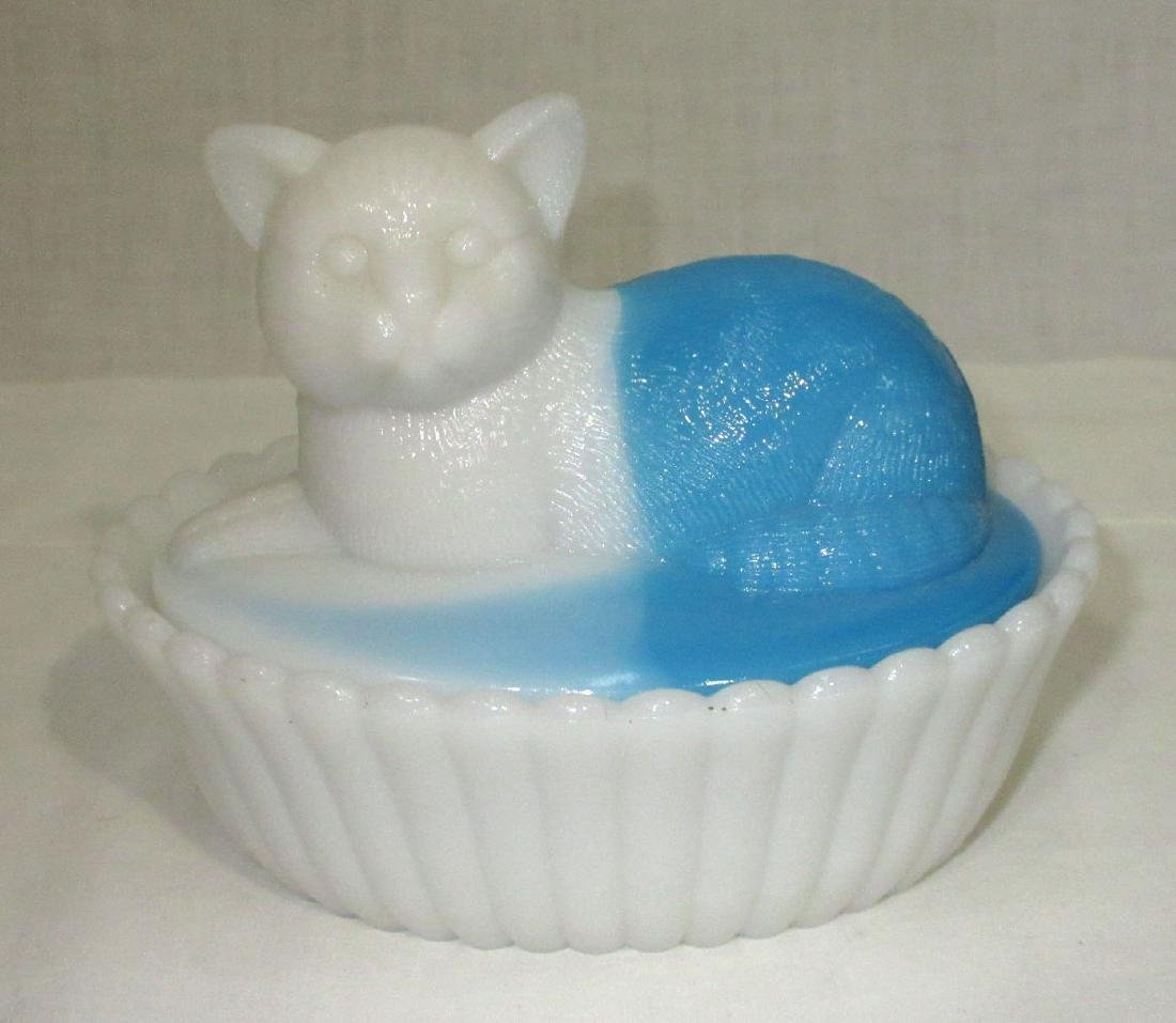 Bi Color Cat Covered Dish