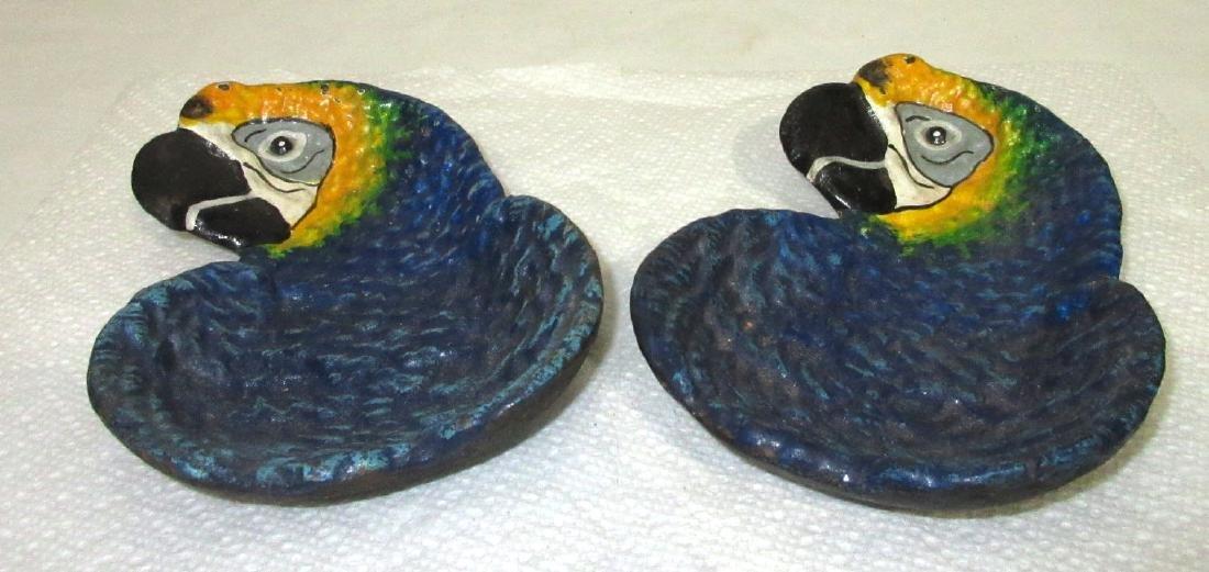 2 C.I. Parrot Tray