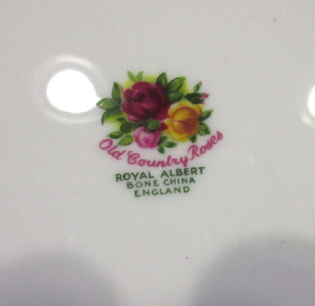 8 Royal Albert Old Country Roses Plates - 3