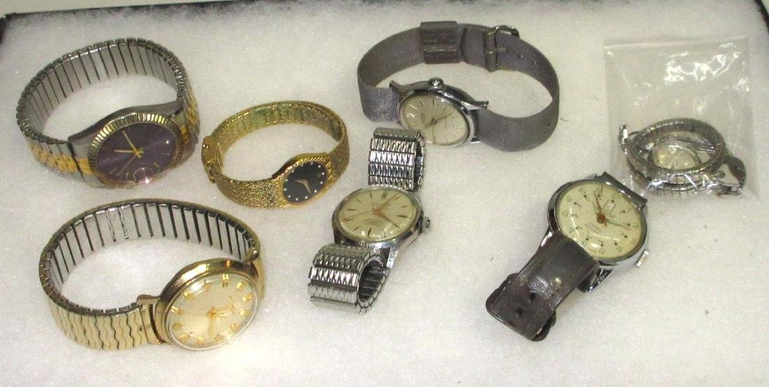 Lot Wristwatches Inc. Accutron & Pierre Cardin