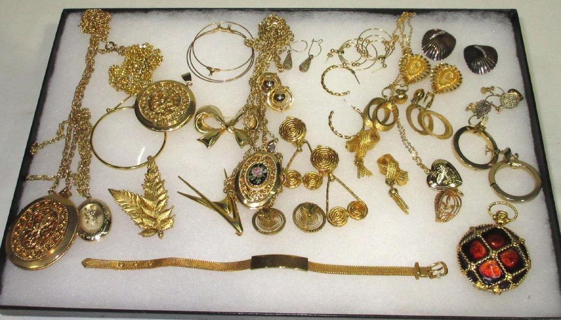 Nice Lot Costume Jewelry
