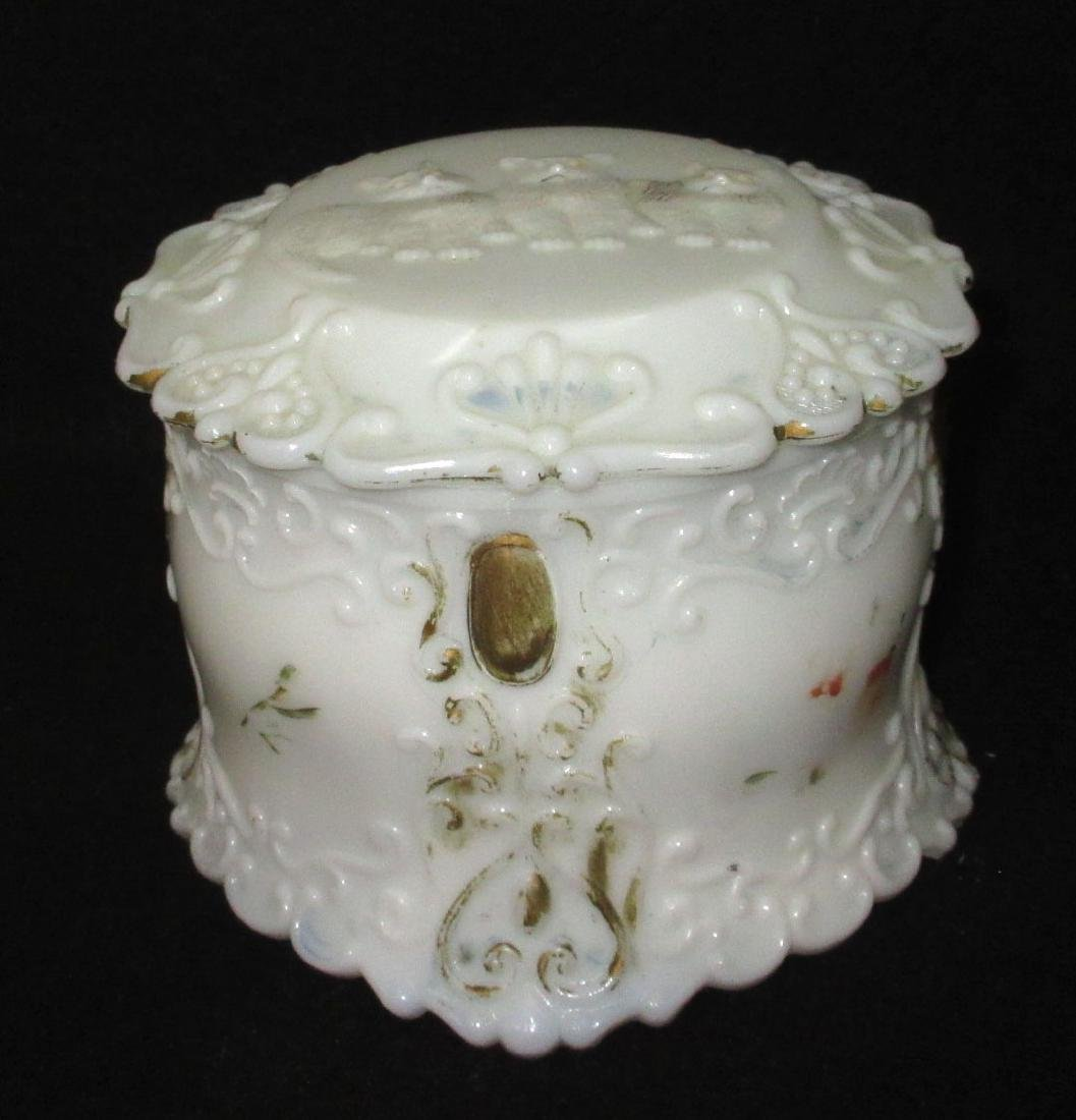 Vict. Milk Glass 3 Kittens Covered Box