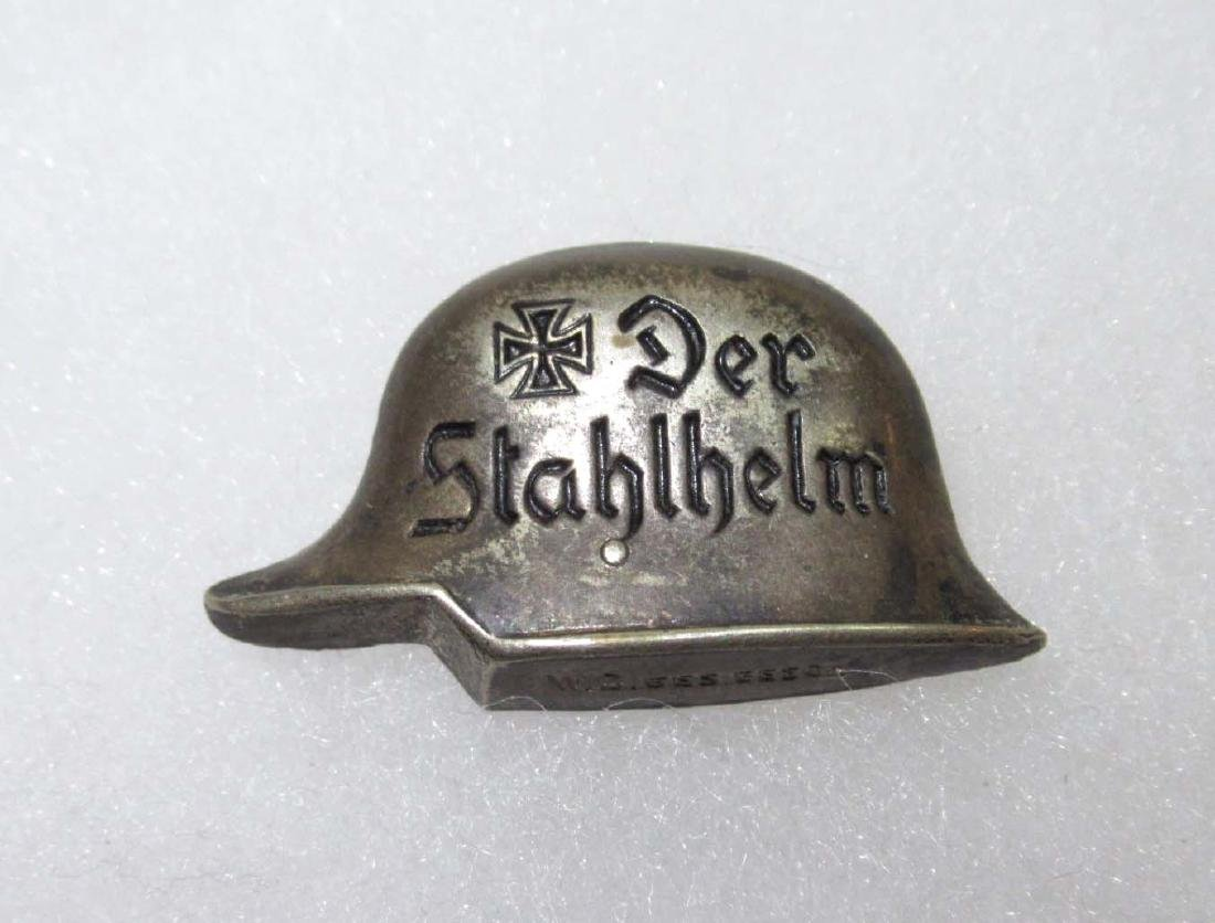 German Der Stahlhelm Pin