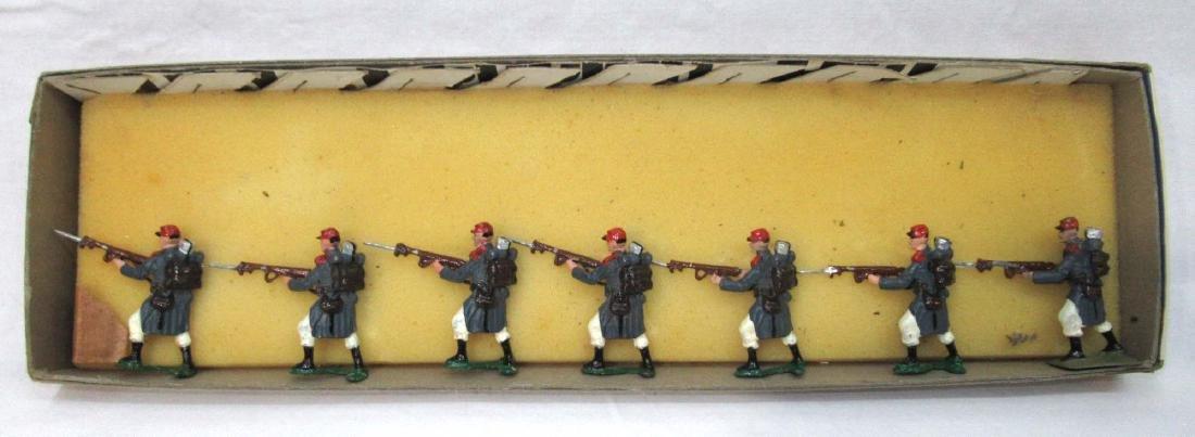 7 Lead Soldiers WW 1 Russian Army, Orig. Box